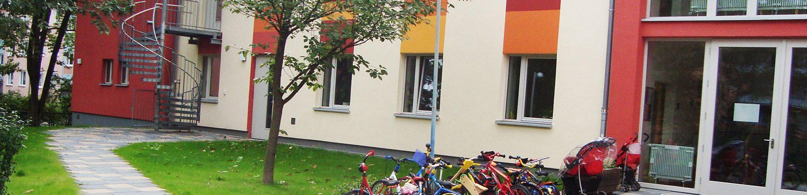 Kita Spatzennest Haus Fassade Eingang